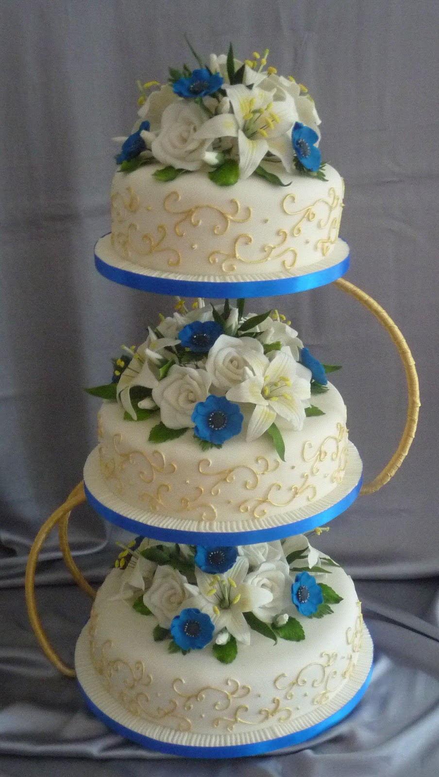 wedding cakes by franziska: blue and gold wedding cake design