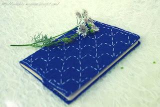 Обложка для паспорт из фетра с вышивкой в стиле сашико.