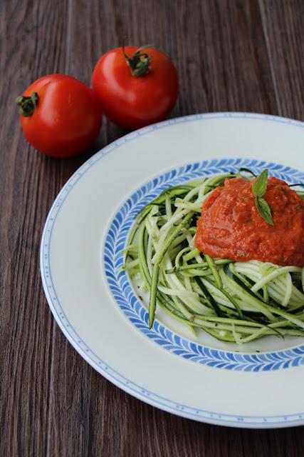 Roh-Vegane Zucchini Spagetthi