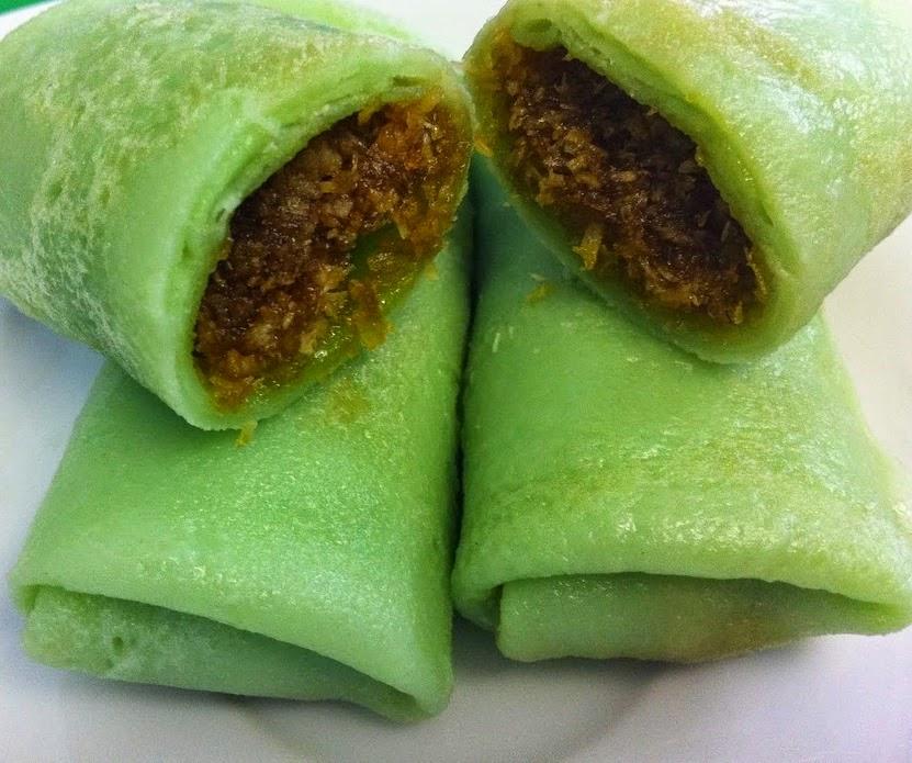 Groene Keuken Recepten : Dadar goeloeng zijn de overheerlijke Indische groene flensjes met de