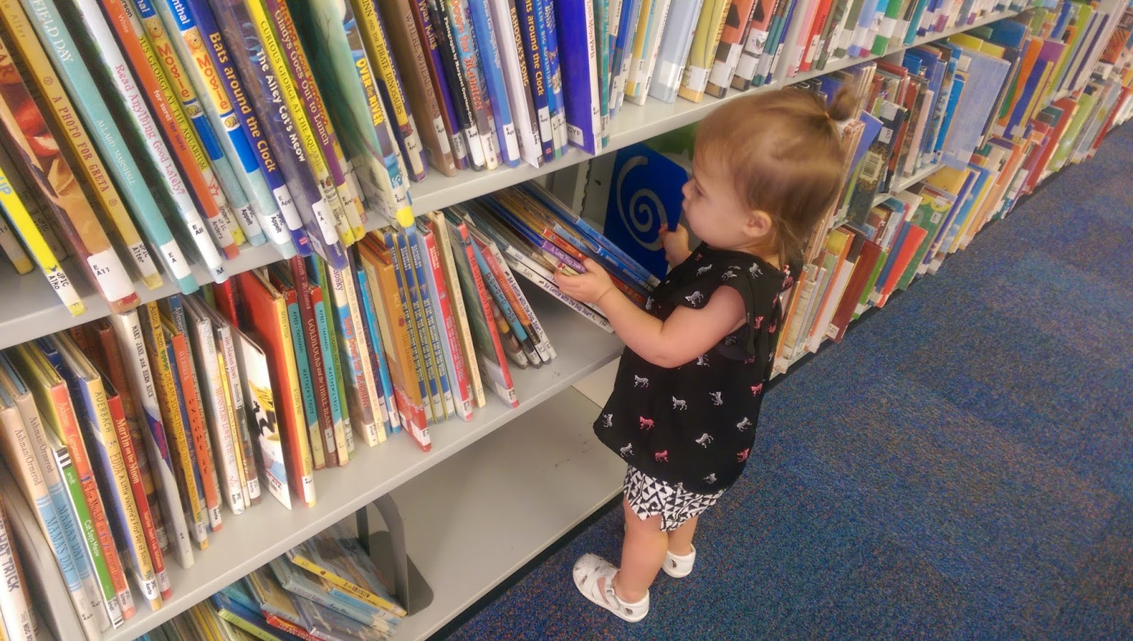 First Library Trip | Bubbles and Gold (www.bubblesandgold.com)