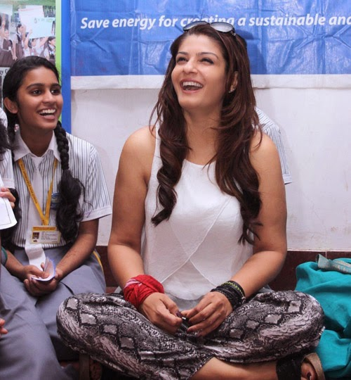 Raveena Tandon celebrates Earth Hour with Students Event Photo Gallery