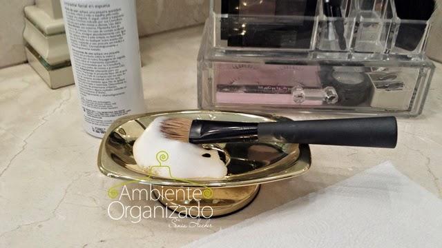 Como lavar e limpar pinceis de maquiagem