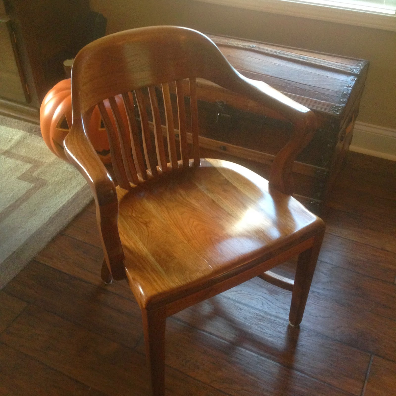 Antique Refinishing: Bankeru0027s Chairs