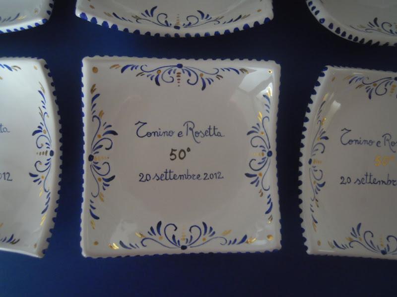 Estremamente ceramica come mestiere: Bomboniera con finiture in oro per il 50  VF86