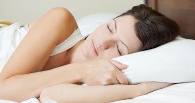 Descansa en un colchón de espumación