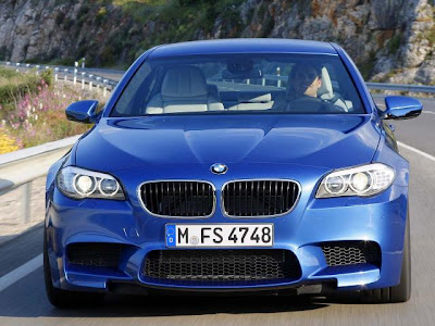 2012-BMW-M5-Series-Front-View