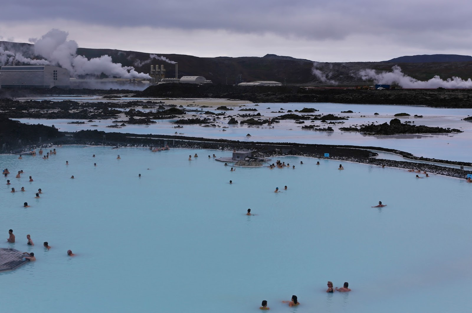 Terry 39 s travel and thoughts blue lagoon and the gullfoss for Where is the blue lagoon located in iceland