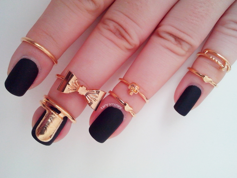 Black Matte Nails Aura Matte Top Coat BPS 7pc gold set rings