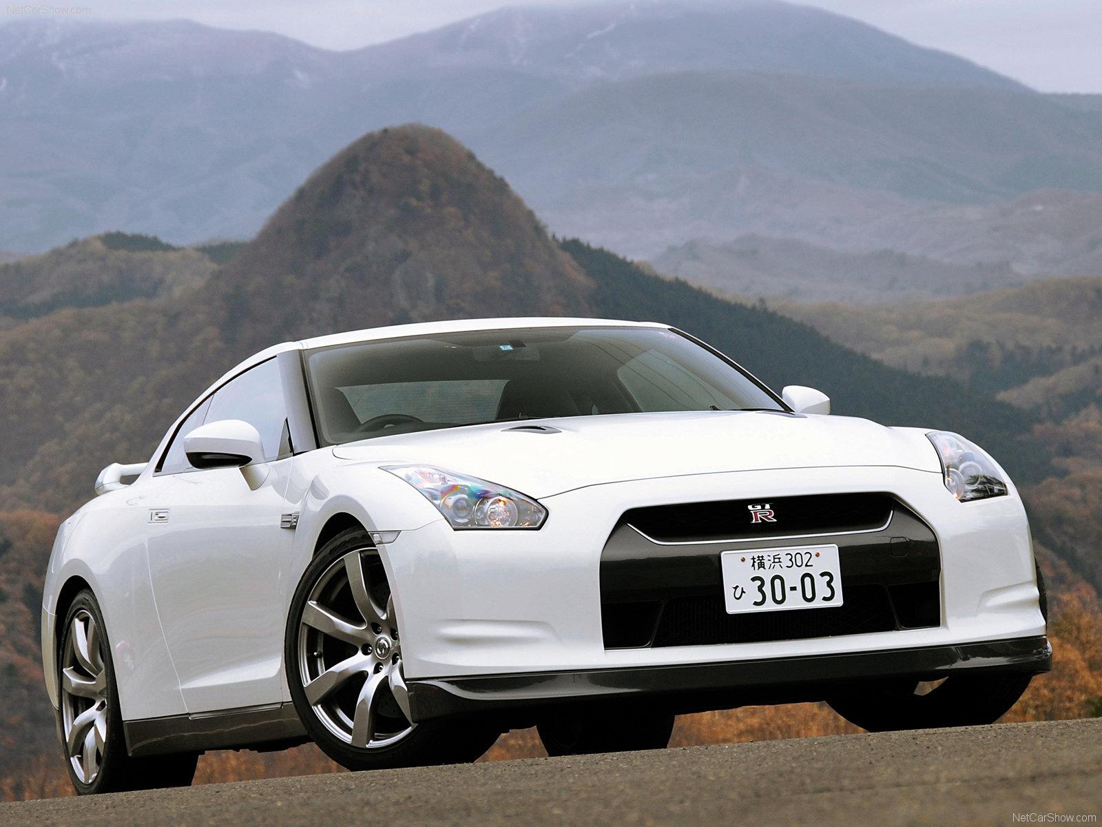 http://2.bp.blogspot.com/-UXSiAEGKYYY/UD5IxWca9bI/AAAAAAAADRQ/0L8h2S9ug2c/s1600/Nissan-GT-R_2008_1600x1200_wallpaper_01.jpg