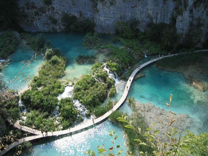 http://2.bp.blogspot.com/-UXfkHJ6g4Kk/ULu8el330XI/AAAAAAAAMUU/NiAYv76-D2c/s1600/croatia.jpg