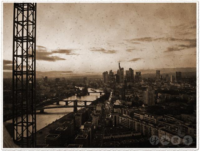 Frankfurt in der Dämmerung, Frankfurt Skyline