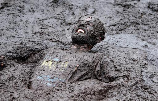 'Esforzarse' para que el fango se explique por sí solo. Fango