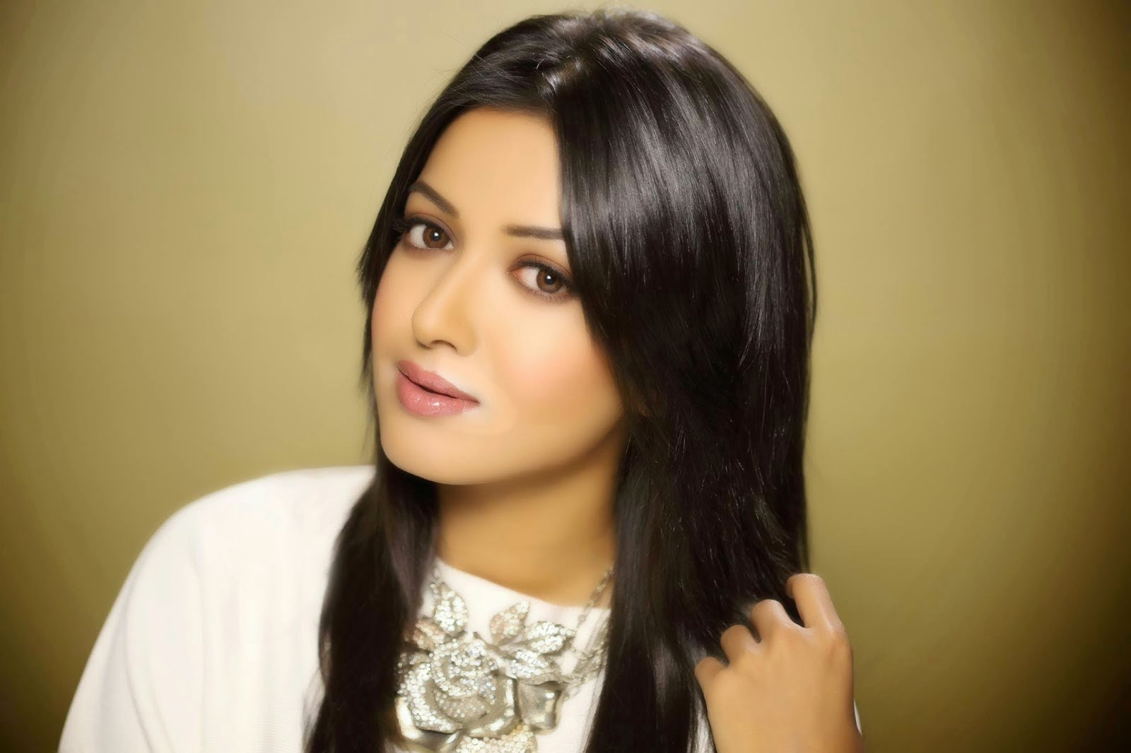 actress hd gallery: catherine tresa actress latest hd photo gallery