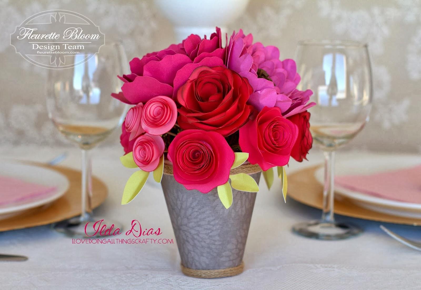 http://www.ilovedoingallthingscrafty.com/2014/01/3d-paper-floral-centerpiece.html