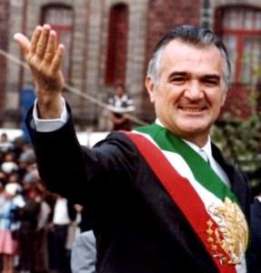 Miguel de la Madrid Hurtado mostrando su sonrisa