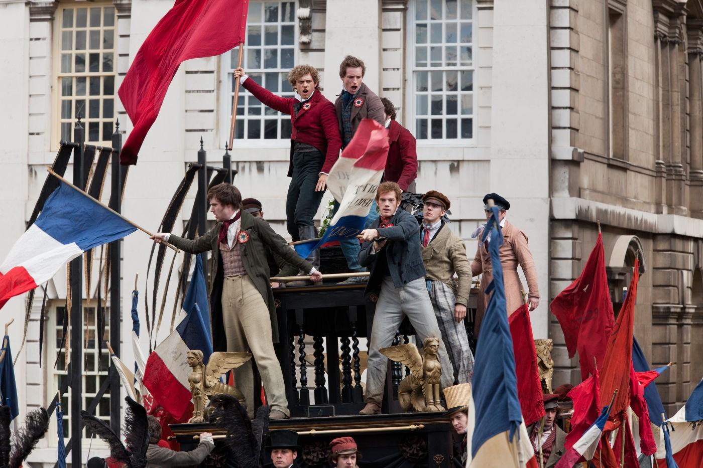 http://2.bp.blogspot.com/-UYF2sNAGS74/UPnzoCZ9jzI/AAAAAAAAOc8/3EW6nFHl2Hg/s1600/les-miserables-picture04.jpg