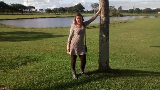 Look - Vesti Legging e botas no Parque Naútico