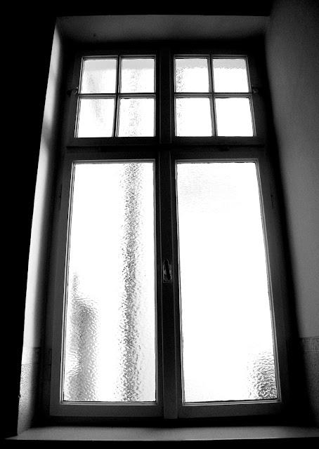 Hundertachtziggrad das fenster zum hof for Fenster zum hof