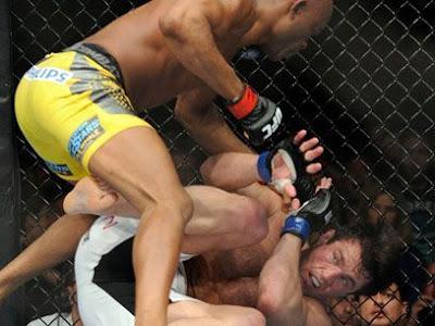 No primeiro round, Sonnen teve vantagem e até dominou a luta, mas no segundo round foi a vez do Anderson Silva mostrar que é o melhor lutador da atualidade e venceu o americano falastrão por nocaute.