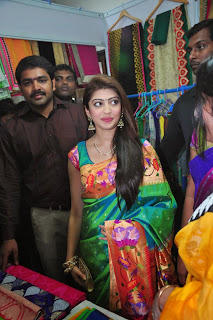 Actress Pranitha Latest Pictures in Saree at Styles n Weaves Exhibition Launch 0011.jpg