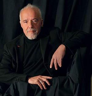 Paulo Coelho costuma publicar o Mude