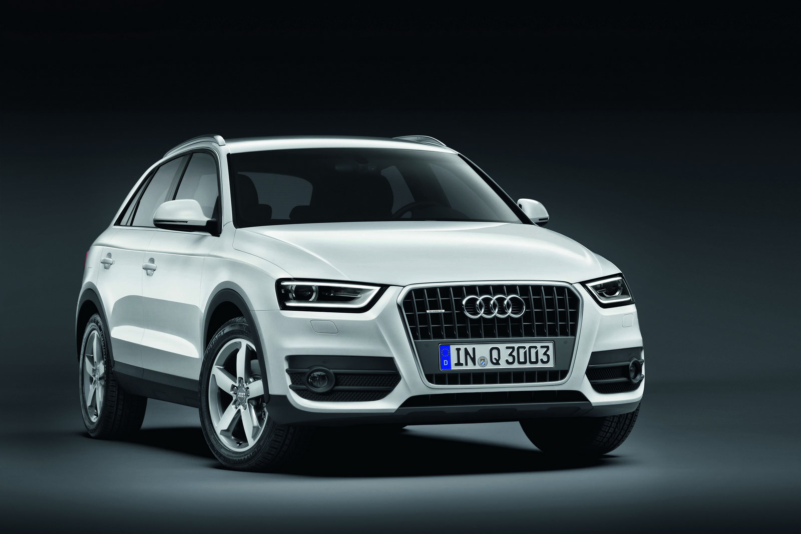 new audi q3 suv officially revealed autooonline magazine. Black Bedroom Furniture Sets. Home Design Ideas