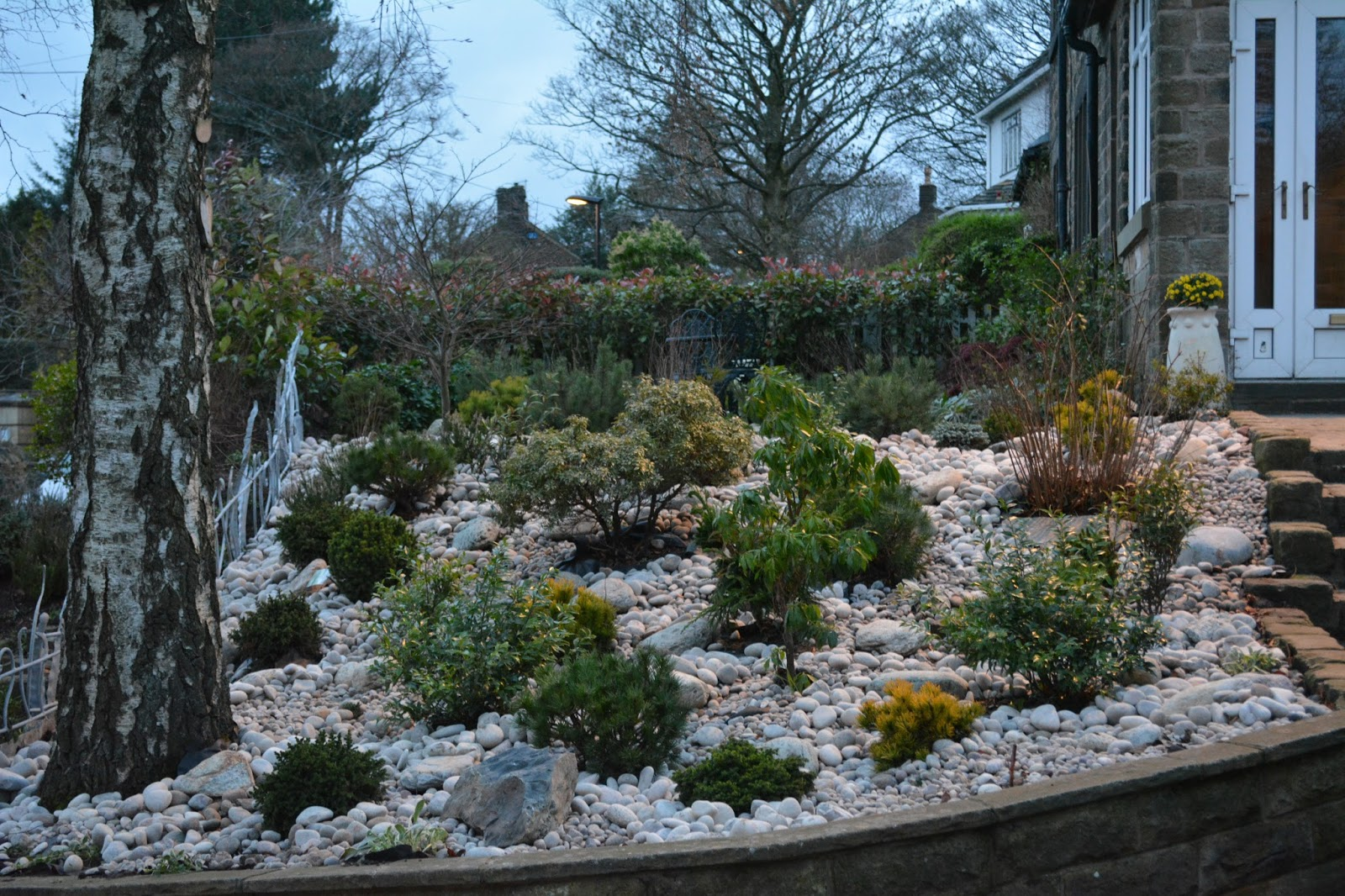 David keegans garden design blog dry river cobble and for Dry garden designs