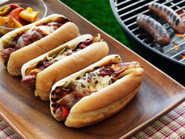 http://recipes.sandhira.com/grilled-sausage-sandwich.html