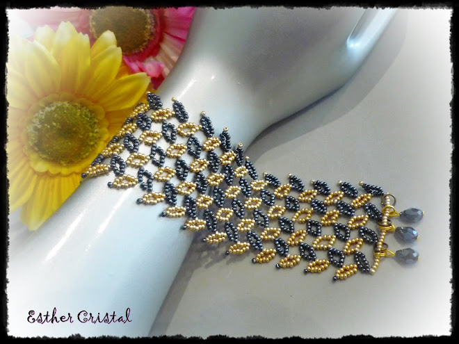 DIAGONAL LEAF CUFF