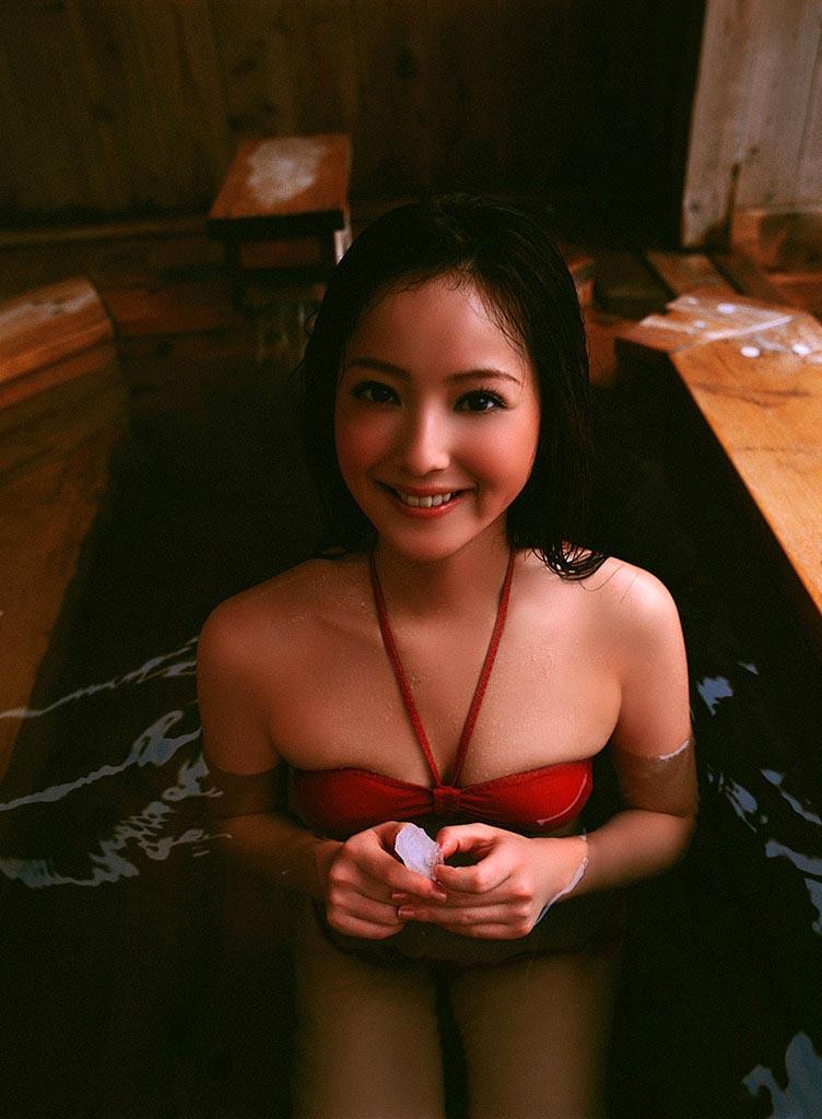 nozomi sasaki sexy red bikini photos 07