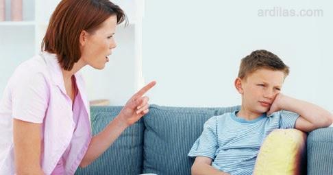 Pendengar Yang Buruk - Kebiasaan Buruk Orang Tua