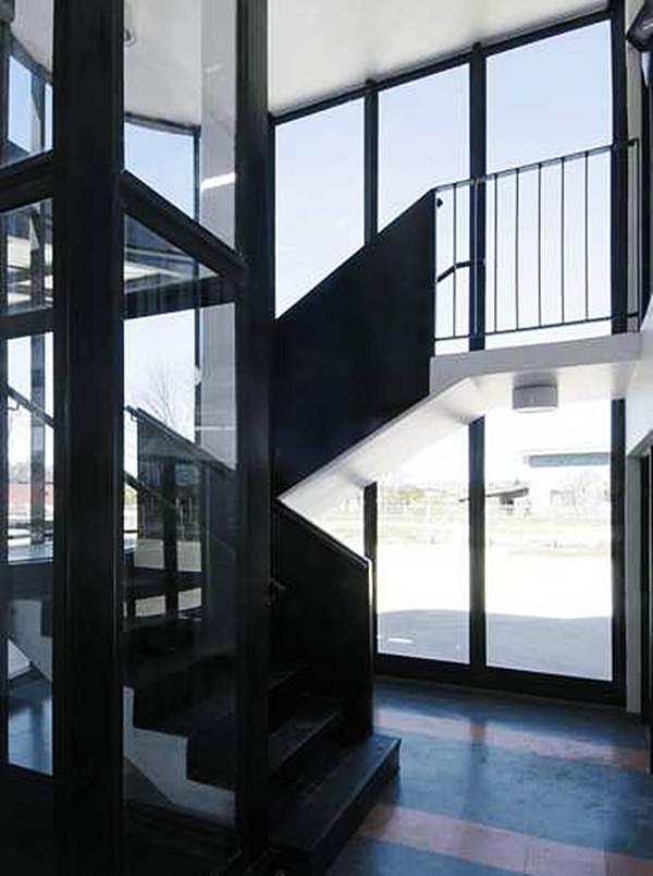 tangga-ke-tingkat-dua