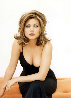 Tiffani Thiessen Hot