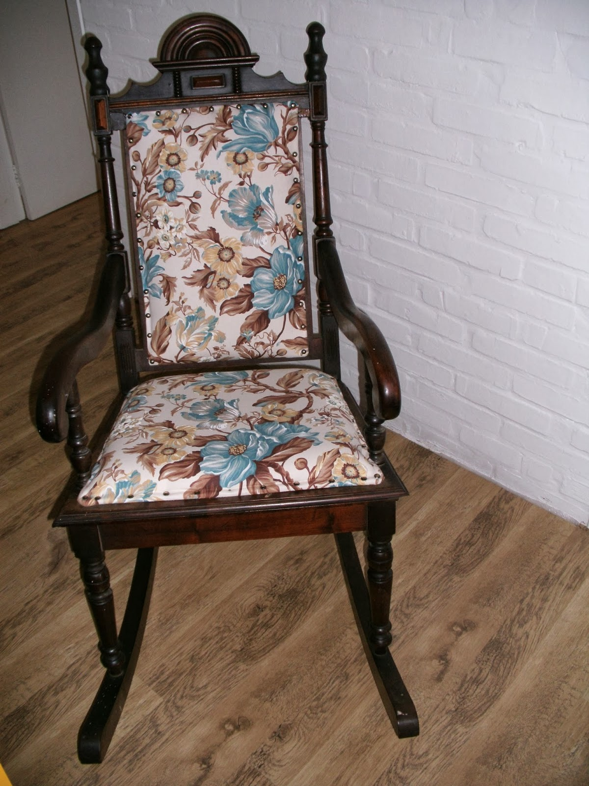 decorar sustentável: Cadeira de balanço reformada #2F2418 1200x1600