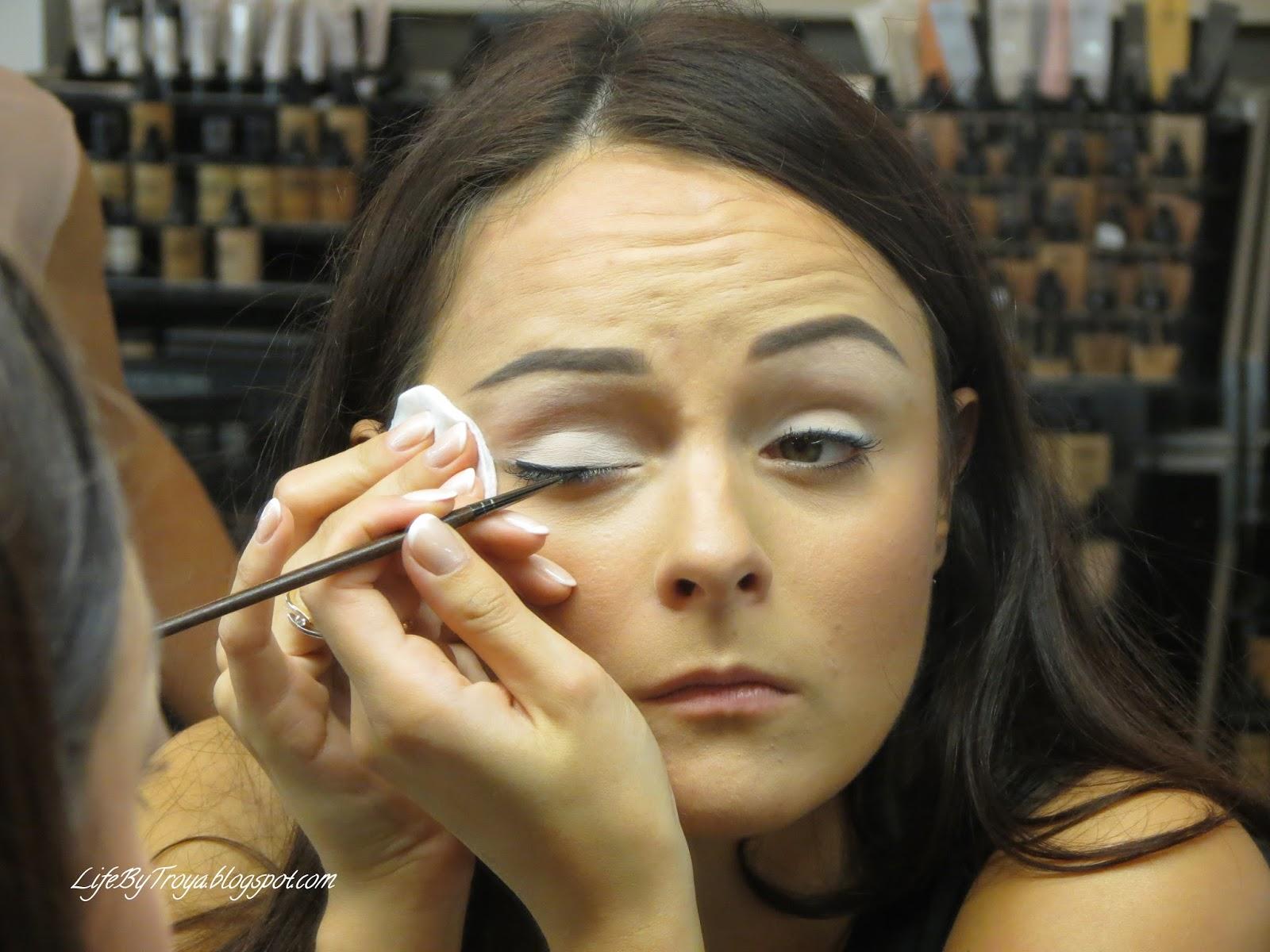 Курсы стрелок по макияжу