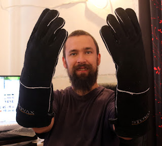 New heat proof gloves
