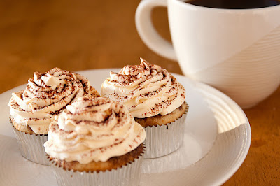 How to make cupcakes or coffee muffins