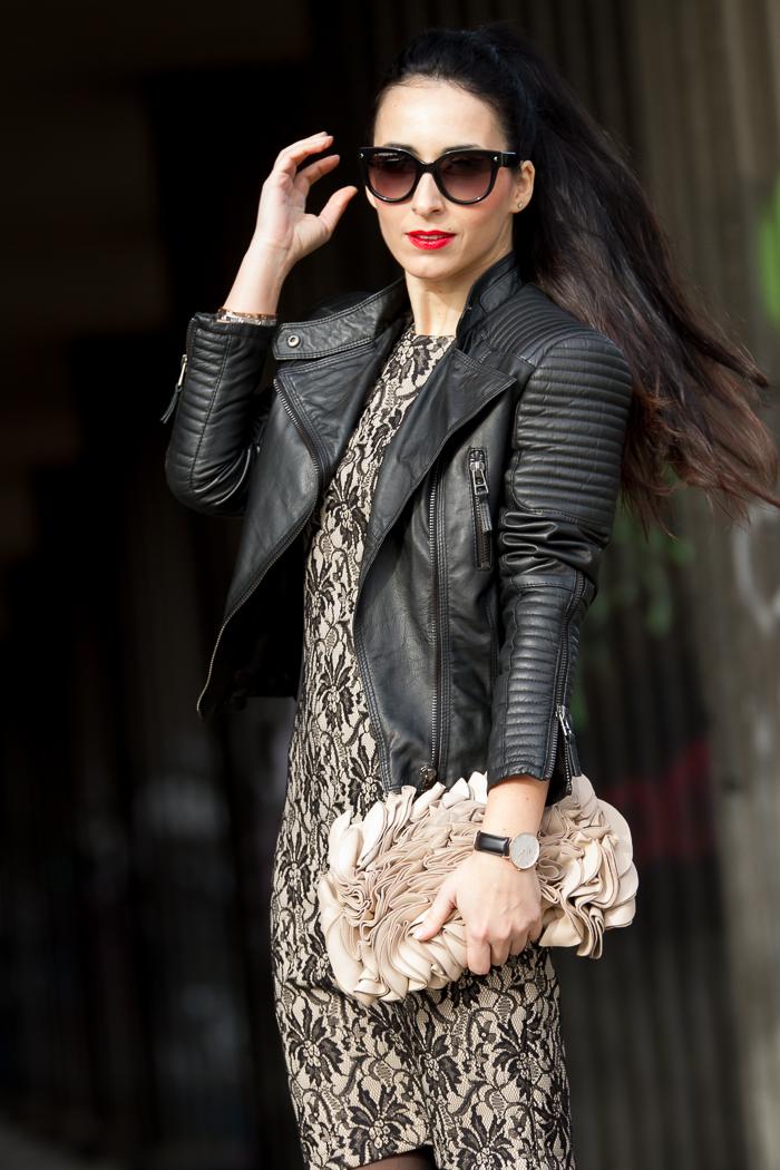 Look estilo rock romántico vestido encaje negro nude de Olimara con chaqueta bker de cuero acolchada de Zara Blogger moda valenciana