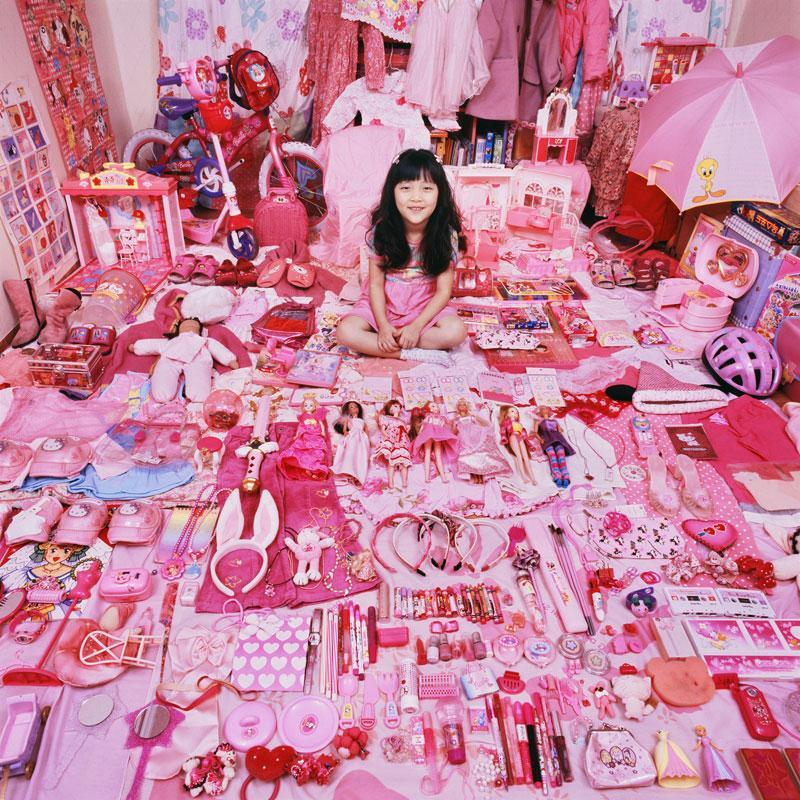 The reel foto jeongmee yoon boys versus girls the pink for Stuff for girls room