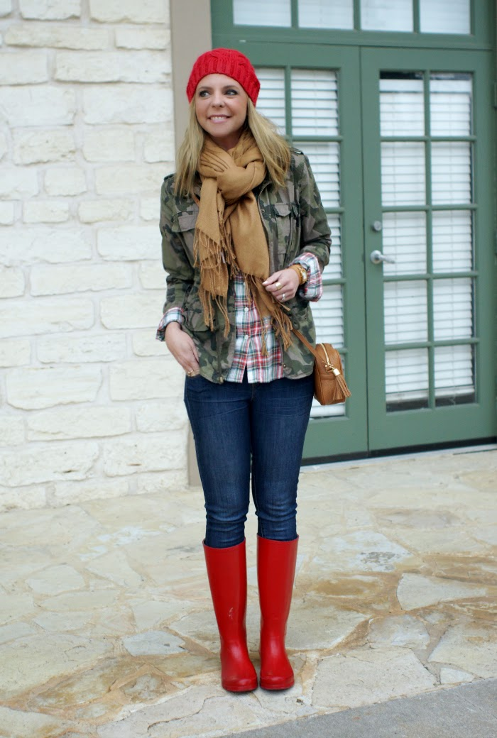 plaid and camouflage outfit idea