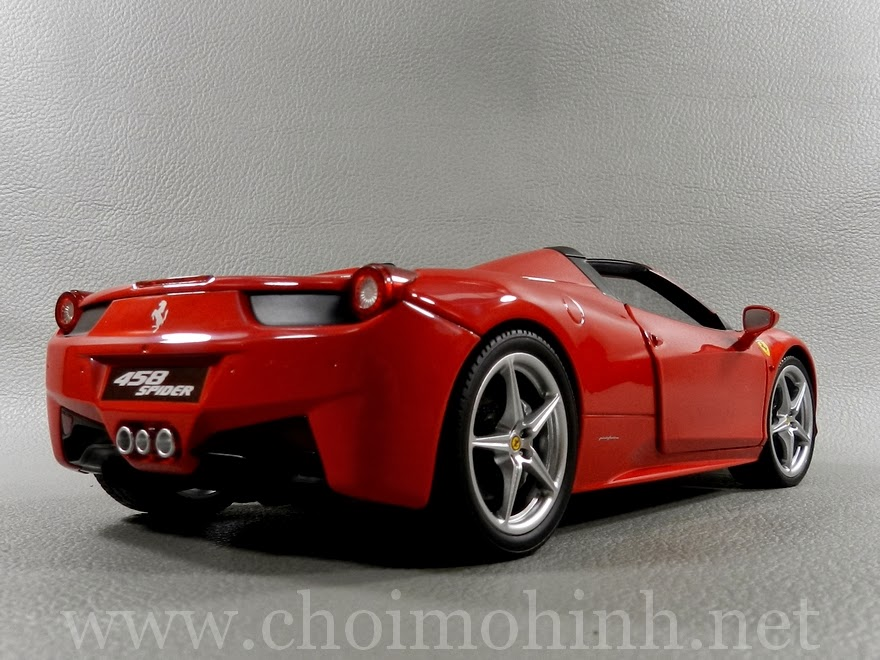 Ferrari 458 Spider 1:18 Hot Wheels back