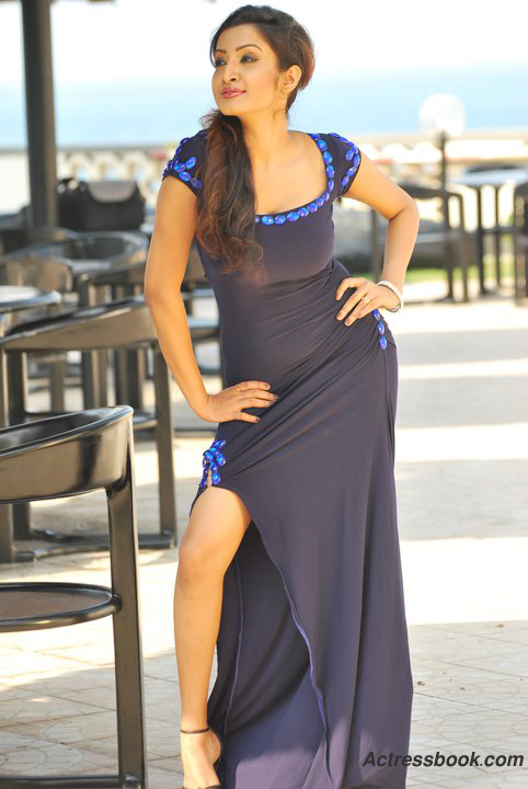 Madhavi Kaushalya Sri Lankan Hot Model and TV Presenter Latest Photo Shoot Gallery wallpapers