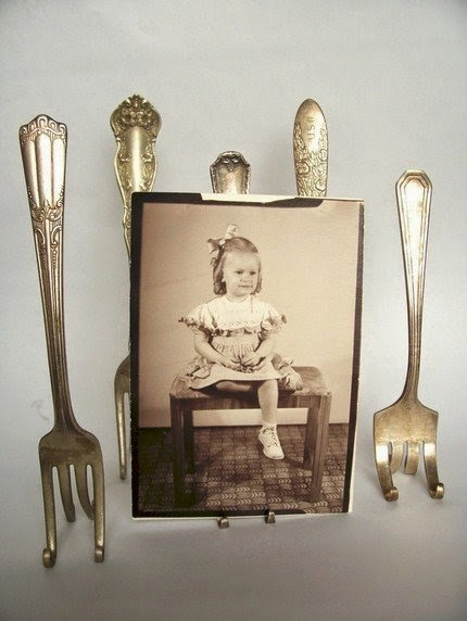http://www.projectwedding.com/ideas/113788/diy-vintage-fork-easels