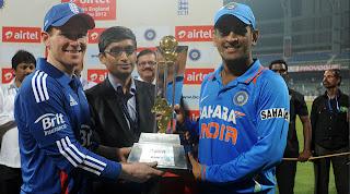 Eoin-Morgan-MS-Dhoni-IND-v-ENG-2nd-T20I-2012