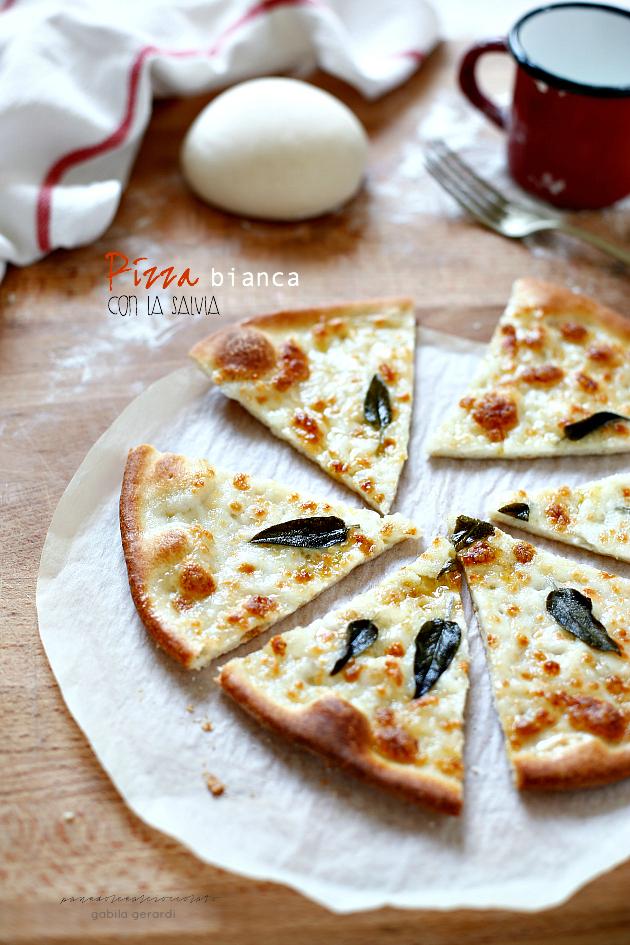 Impasto per pizza semplice panedolcealcioccolato for Come faccio a ottenere un prestito per costruire una casa