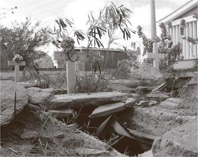 Profanan tumbas de don Rafael González y su familia