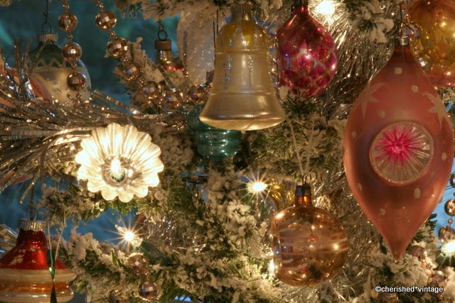 diy vintage style reflectors for your christmas tree