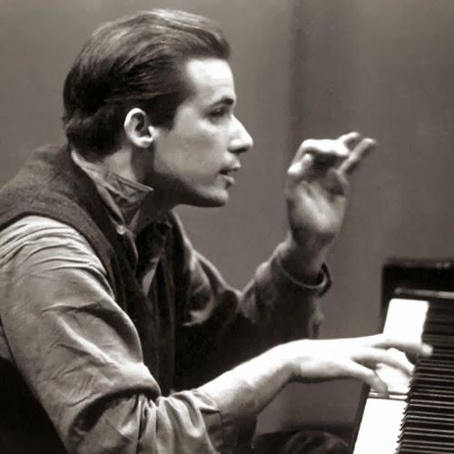 """<img alt=""""Glenn Gould"""" src=""""glenn-gould.jpg"""" />"""