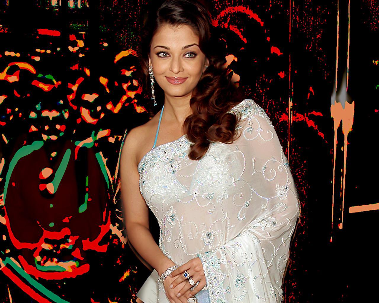 Aishwarya Rai In Saree Photos CollectionLatest PicturesWallpapers
